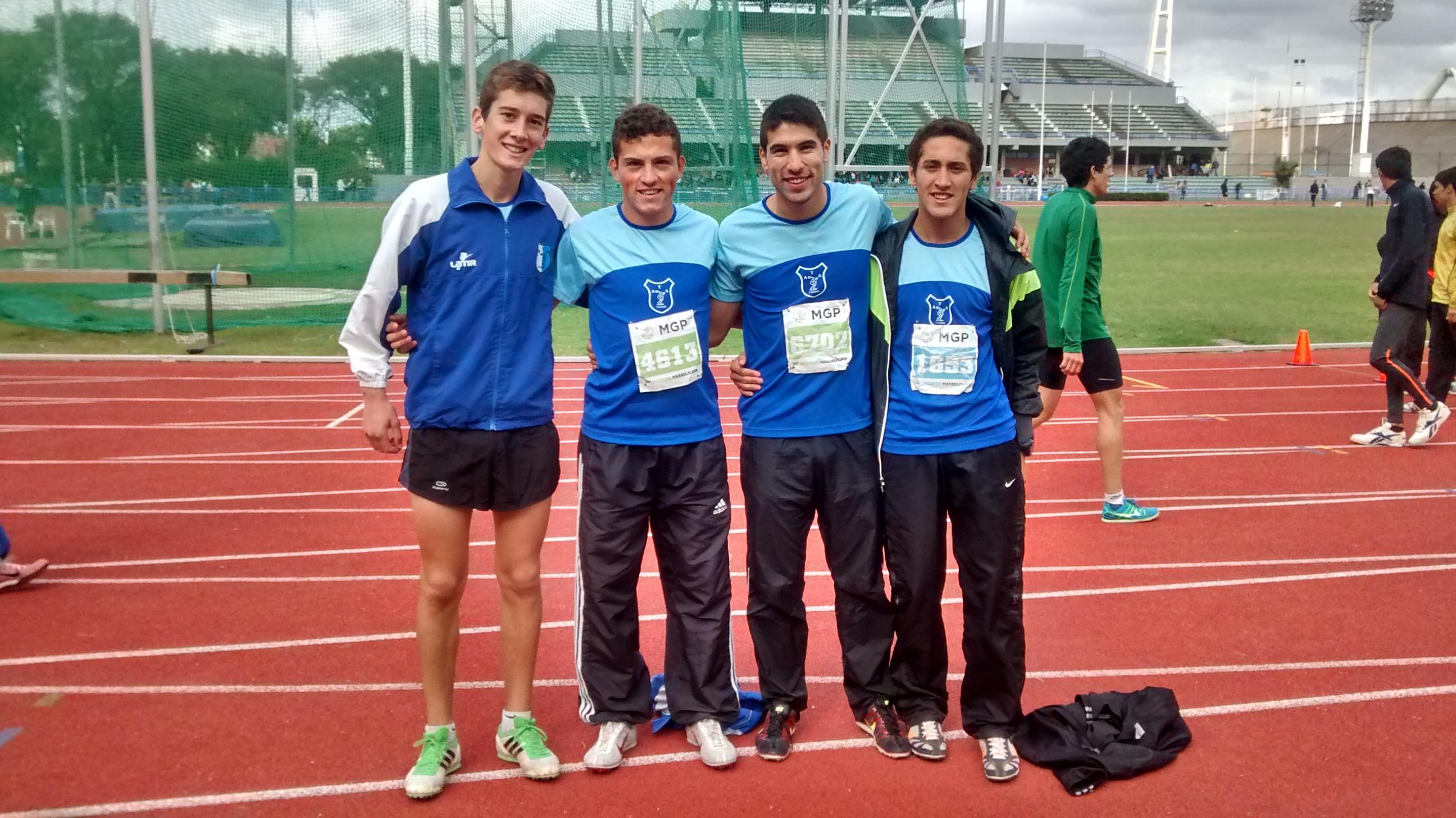 Los participantes de los 800 metros llanos